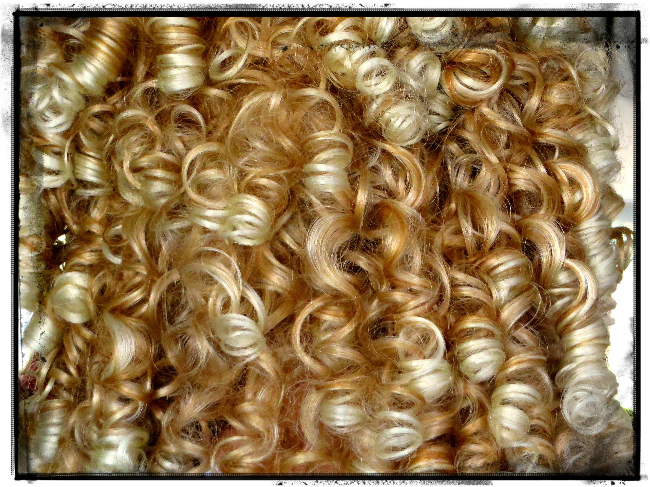 "Irish dancer ""hair""--so springy! so lifelike!"